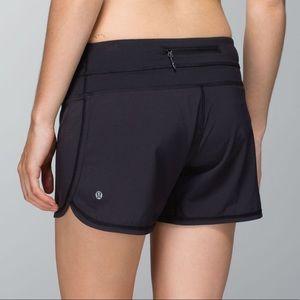 Lululemon Black Groovy Run Shorts size 6 EUC
